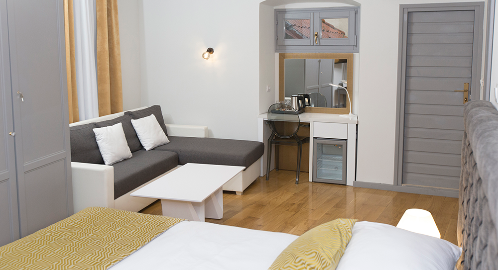 Double-room-with-terrace-(2)