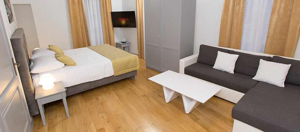 Double-room-with-terrace-(6)